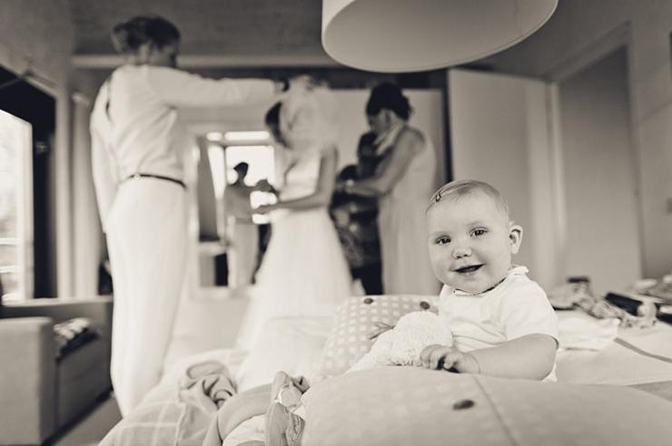 trouwjurk aandoen trouwfotografie middelburg