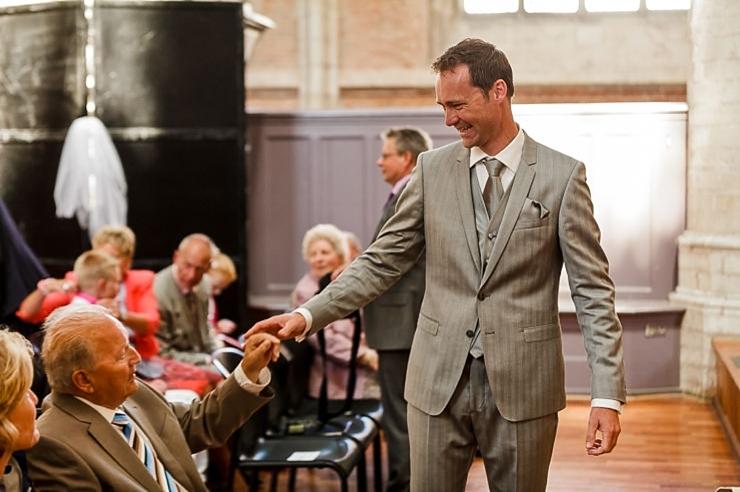 bruidegom begroeting leiden