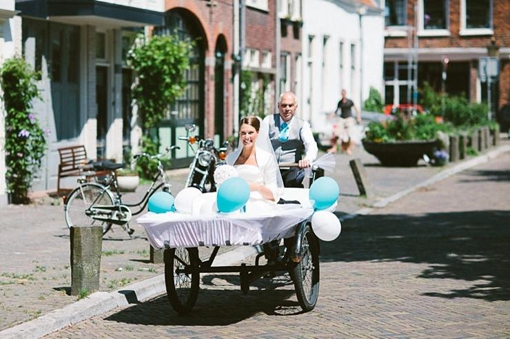 bruid in bakfiets