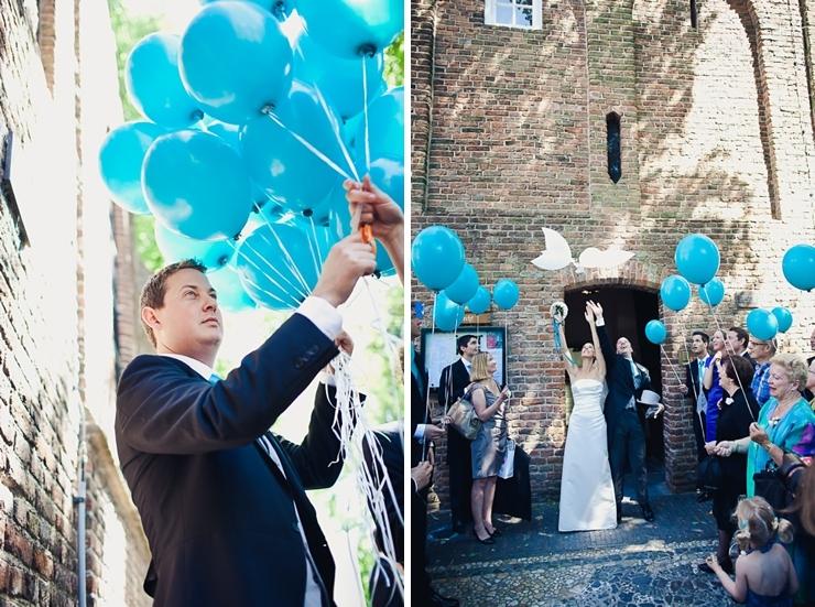 blauwe ballonnen trouwfotografie