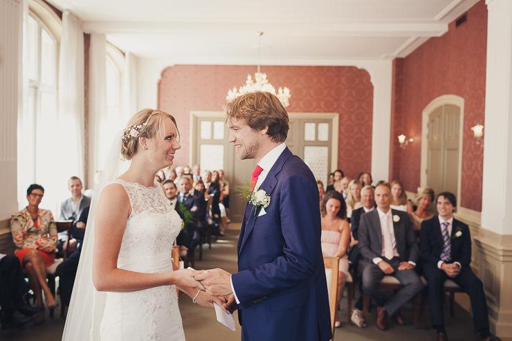 trouwfotografie ceremonie stadhuis Oegstgeest