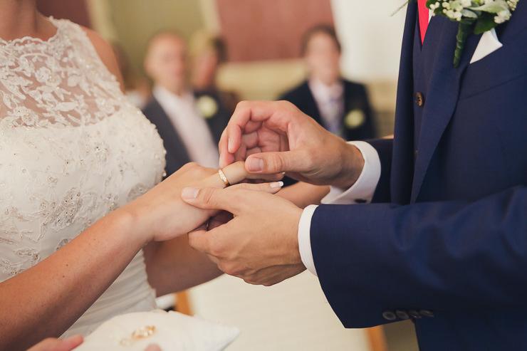 trouwfotografie ringen stadhuis Oegstgeest