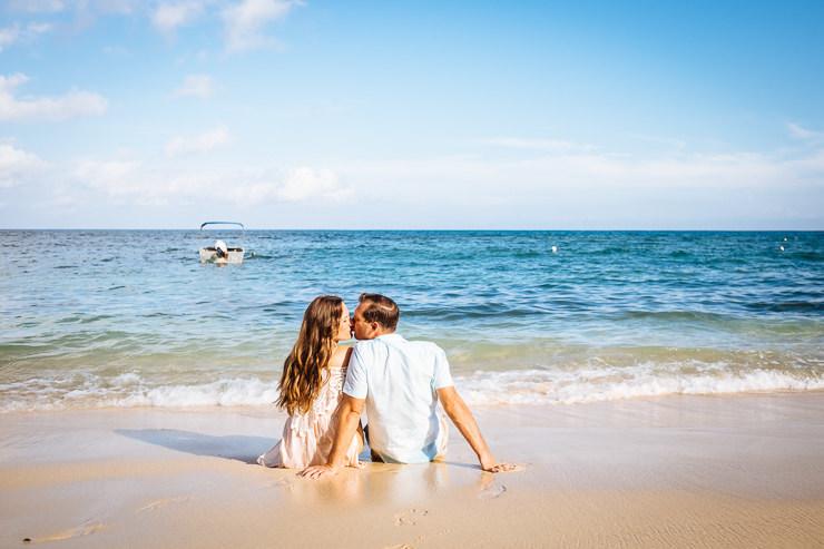 trouwen op bali op het strand - trouwfotograaf