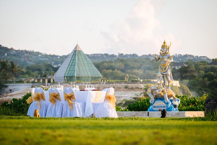 bruidsfotografie Bali - trouwdiner golfbaan