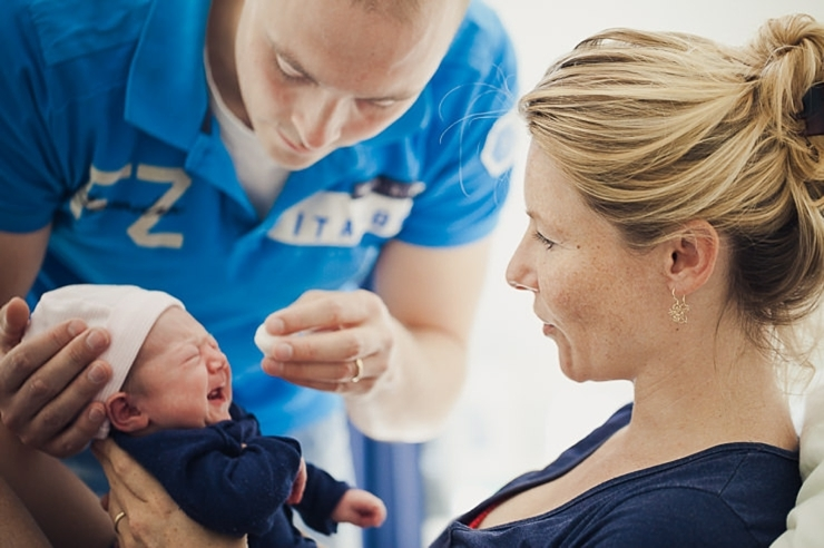 ouders met baby babyfotograaf babyfotografie