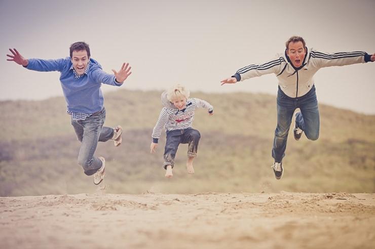 springen in het zand scheveningen fotografie den haag